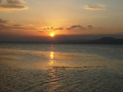 A Breathtaking Sunset in Batangas, from Carol's camera (December 2006)